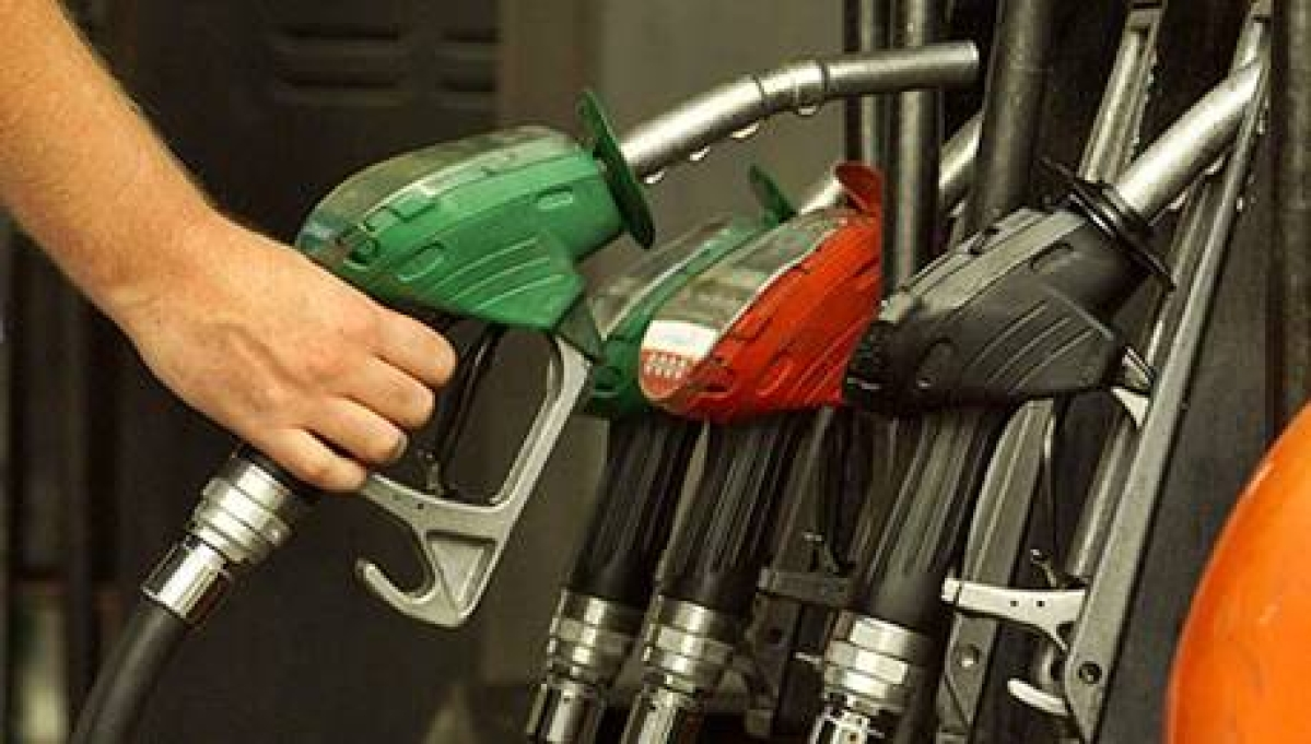 Petrol prices go up by Rs.1.40 a litre from midnight