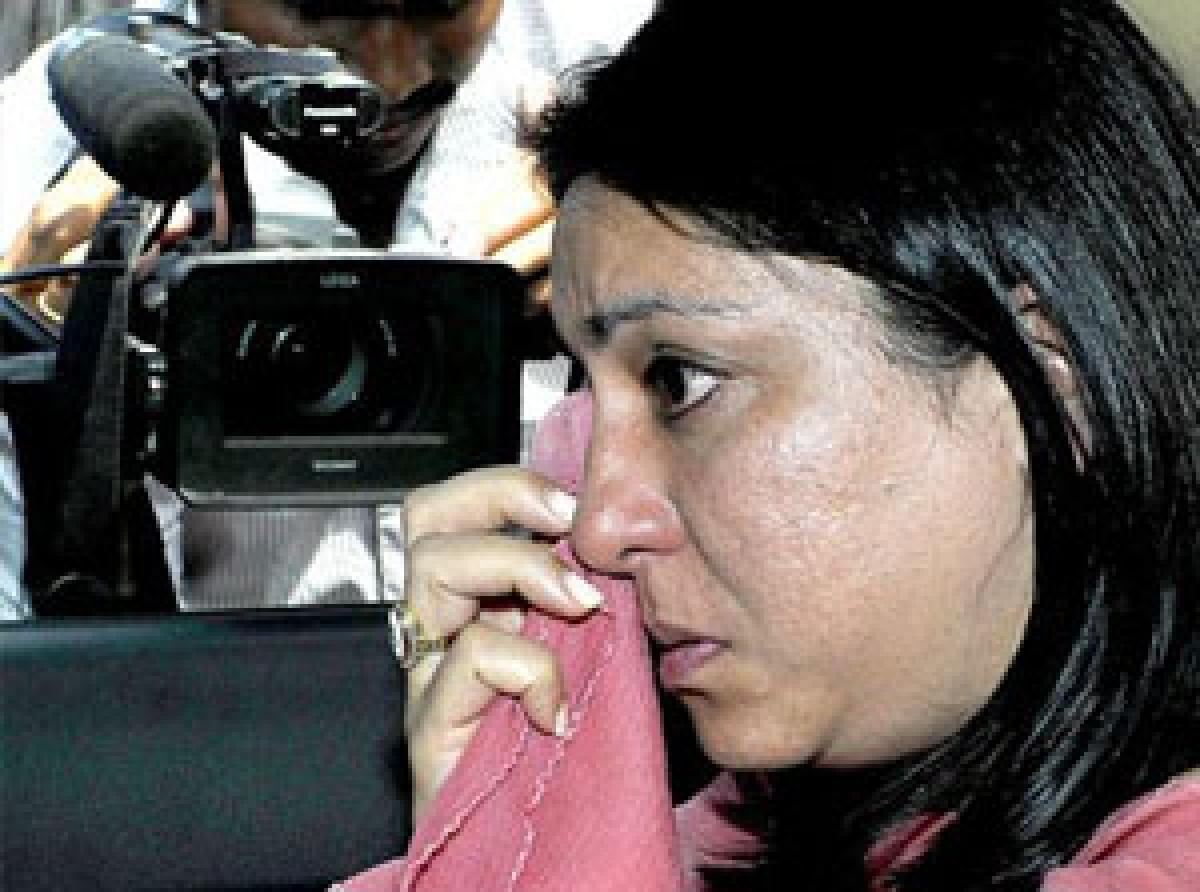 Priya Dutt talks of moving state Guv for pardon