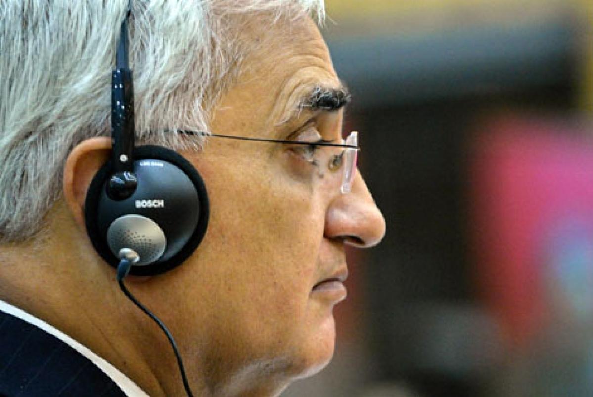 Khurshid pleads for Americans
