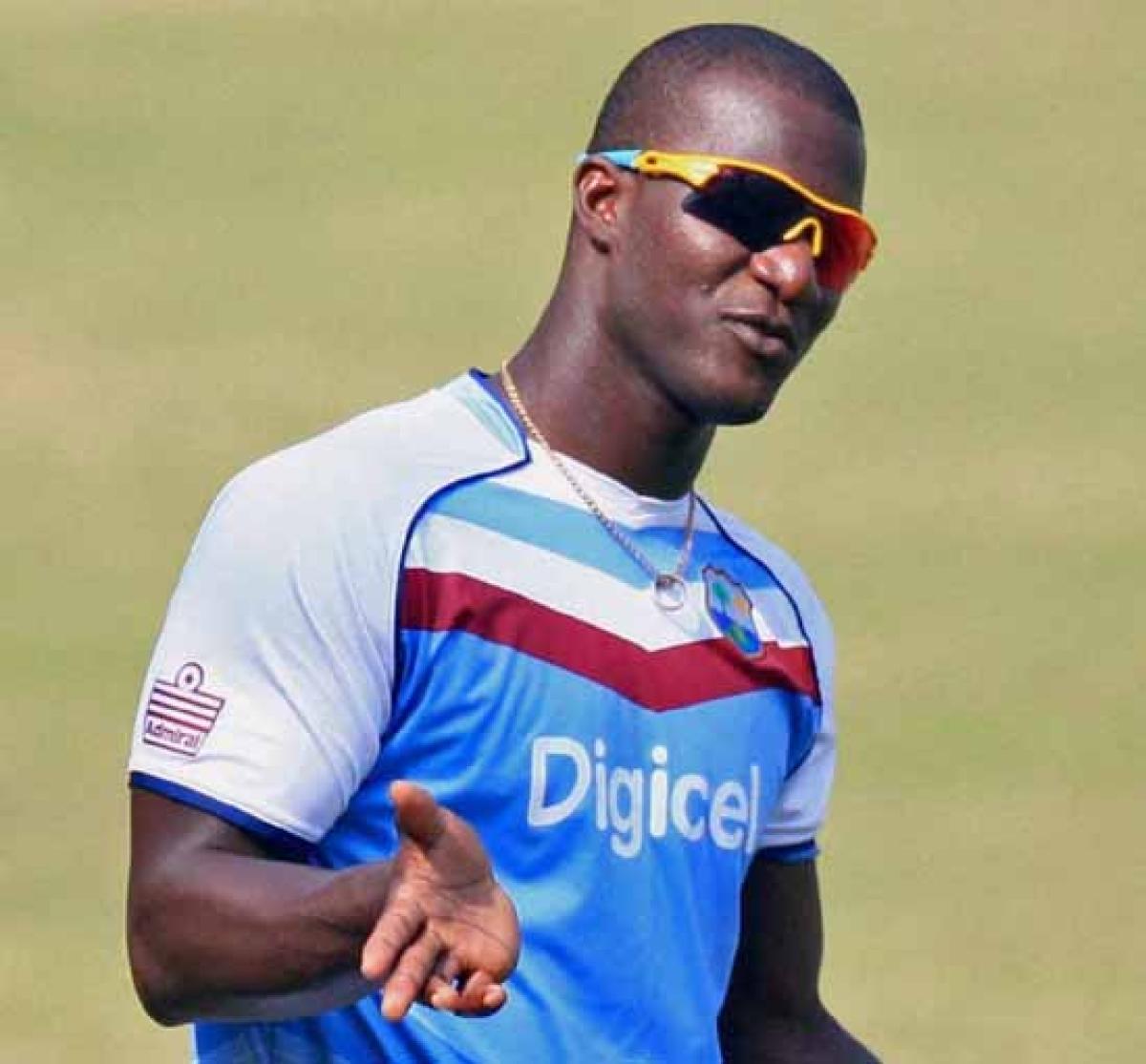 Bowlers eyeing  prized wicket of  Sachin: Sammy