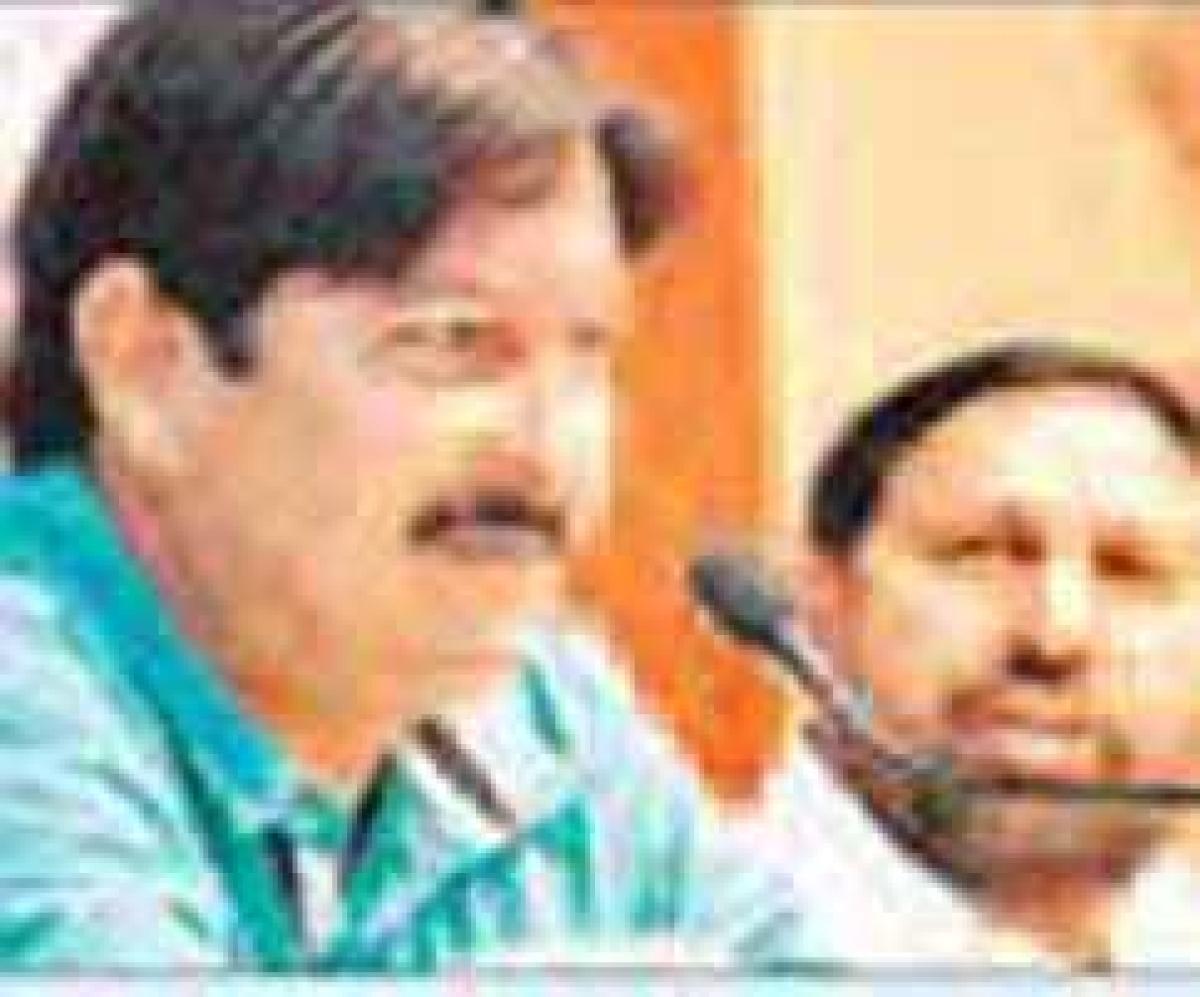 BJP ' bought' votes: Shukla; Voters are Gods: Ramesh