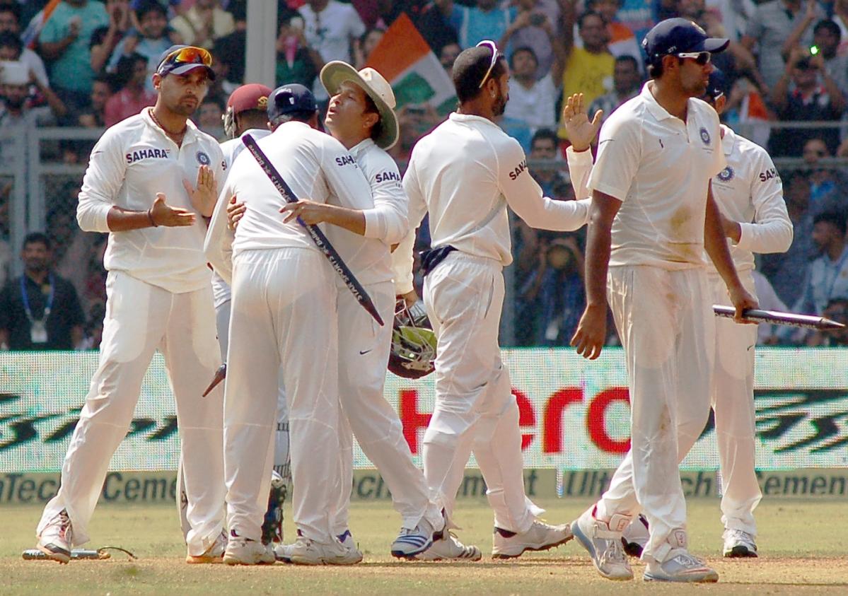India gifts Test series to Tendulkar