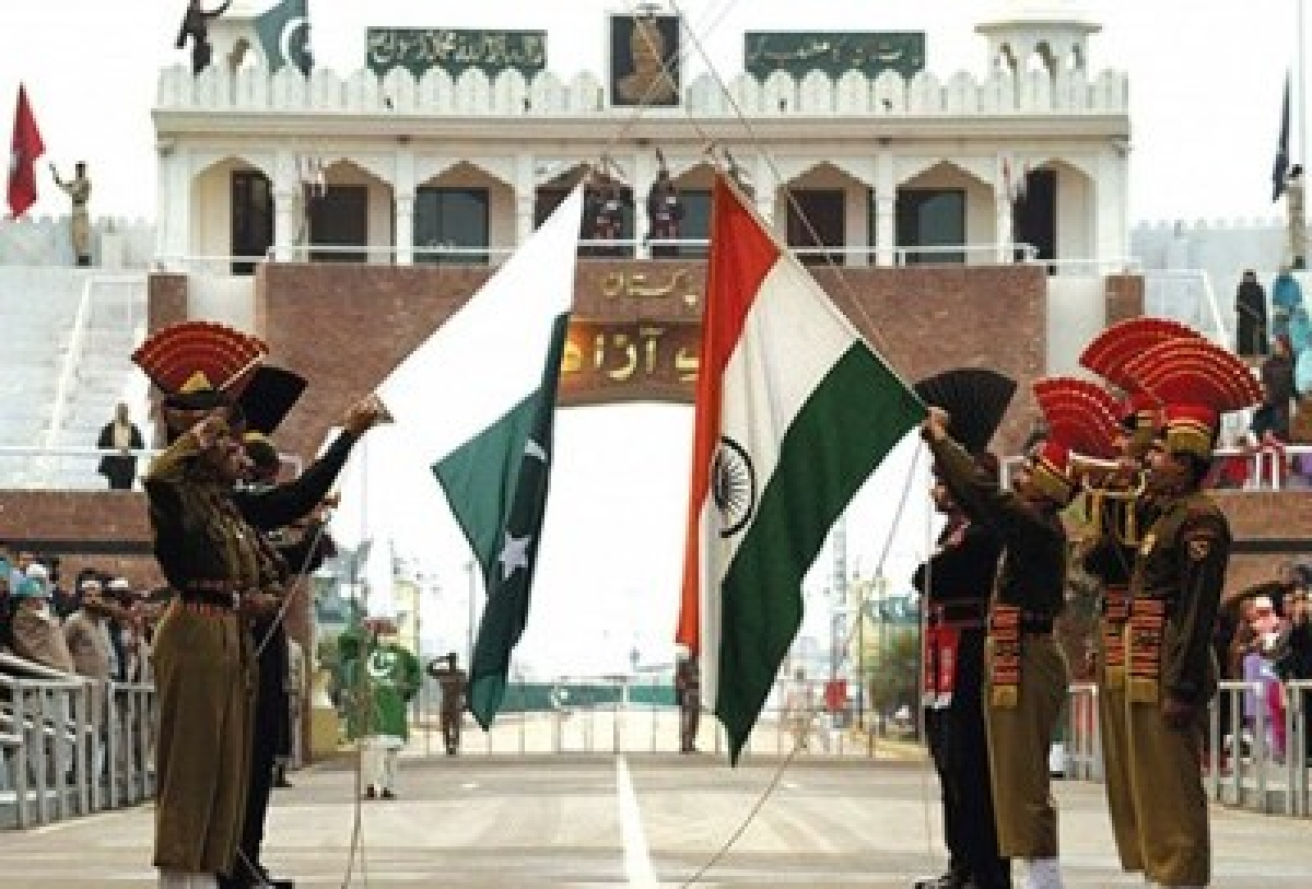 After 6 months, Pakistani Rangers offer sweets to BSF counterparts
