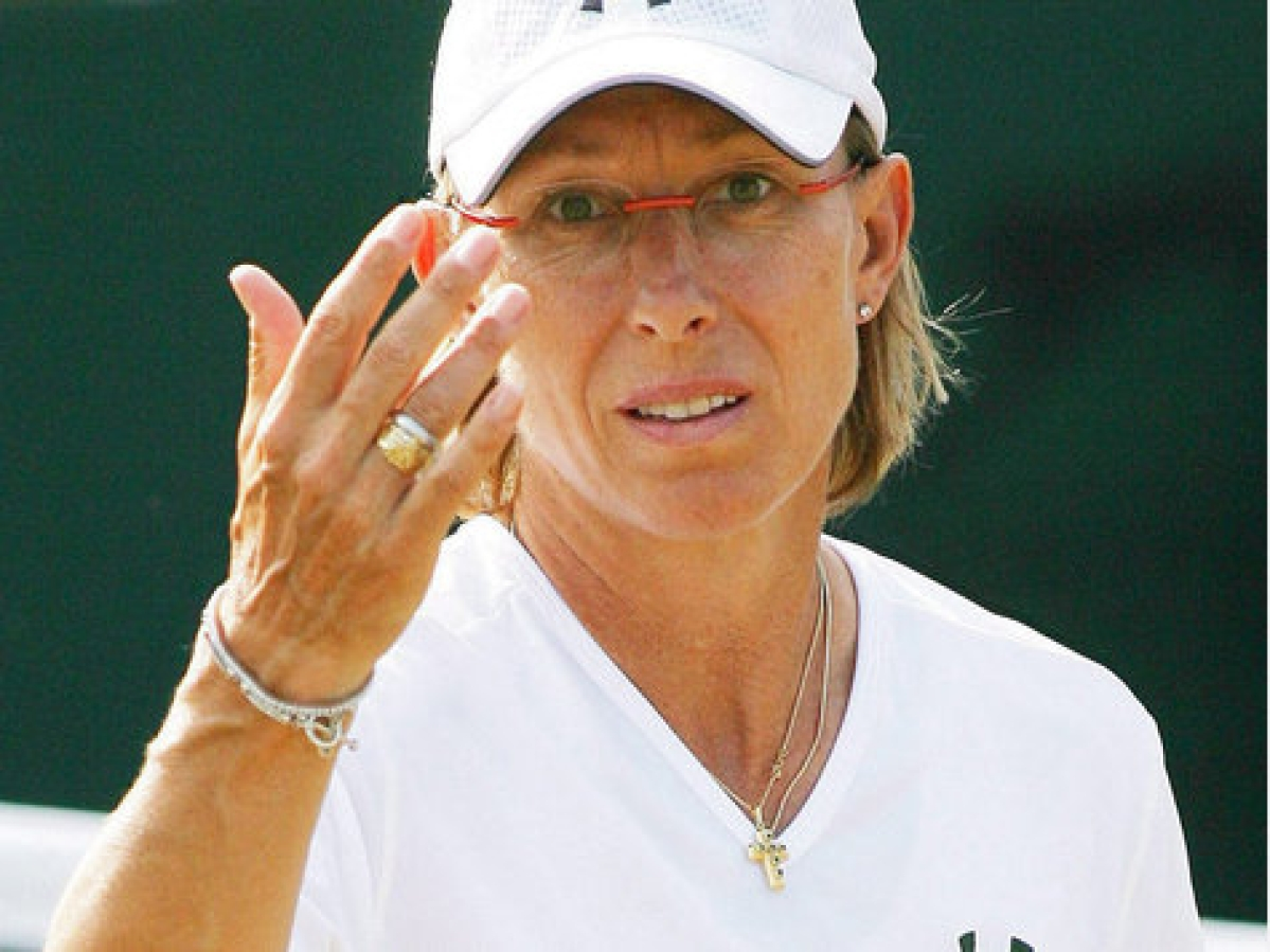Navratilova urges IOC to show support for gay athletes