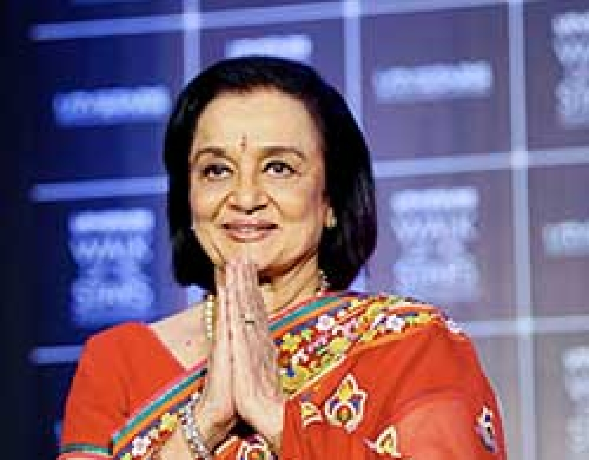 What's keeping 60's glamour Asha Parekh still 'happy'?
