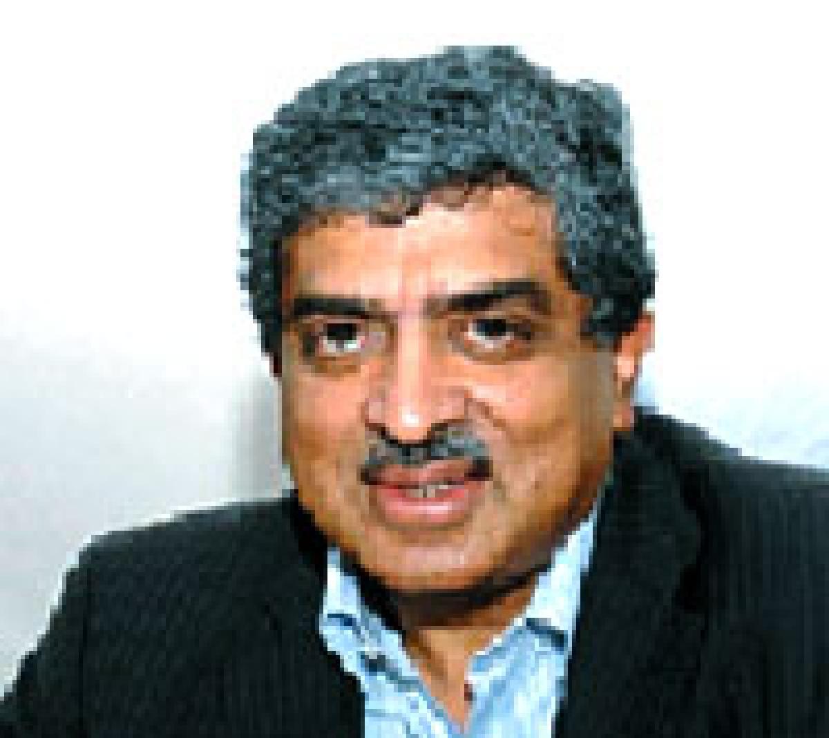 Sinking Congress grabs at 'Nilekani-as-PM' straw