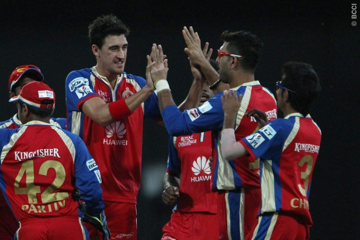 RCB romp home to  victory over Delhi