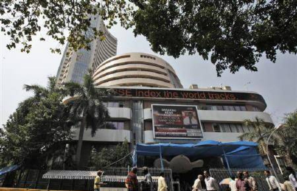 Sensex gains 245 pts on better growth prospects, global cues
