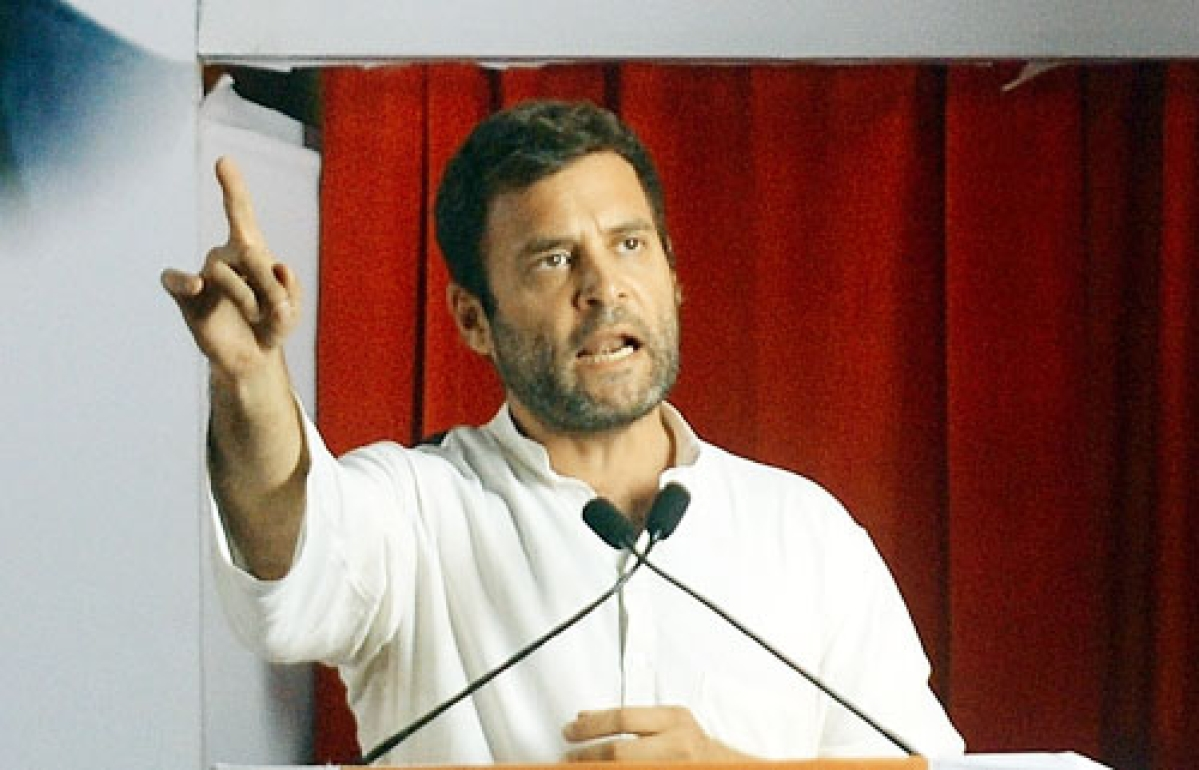 Rahul conveys displeasure to Advani in chance face-to-face