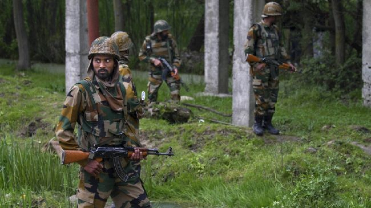 Pak violates ceasefire, Indian troops retaliate