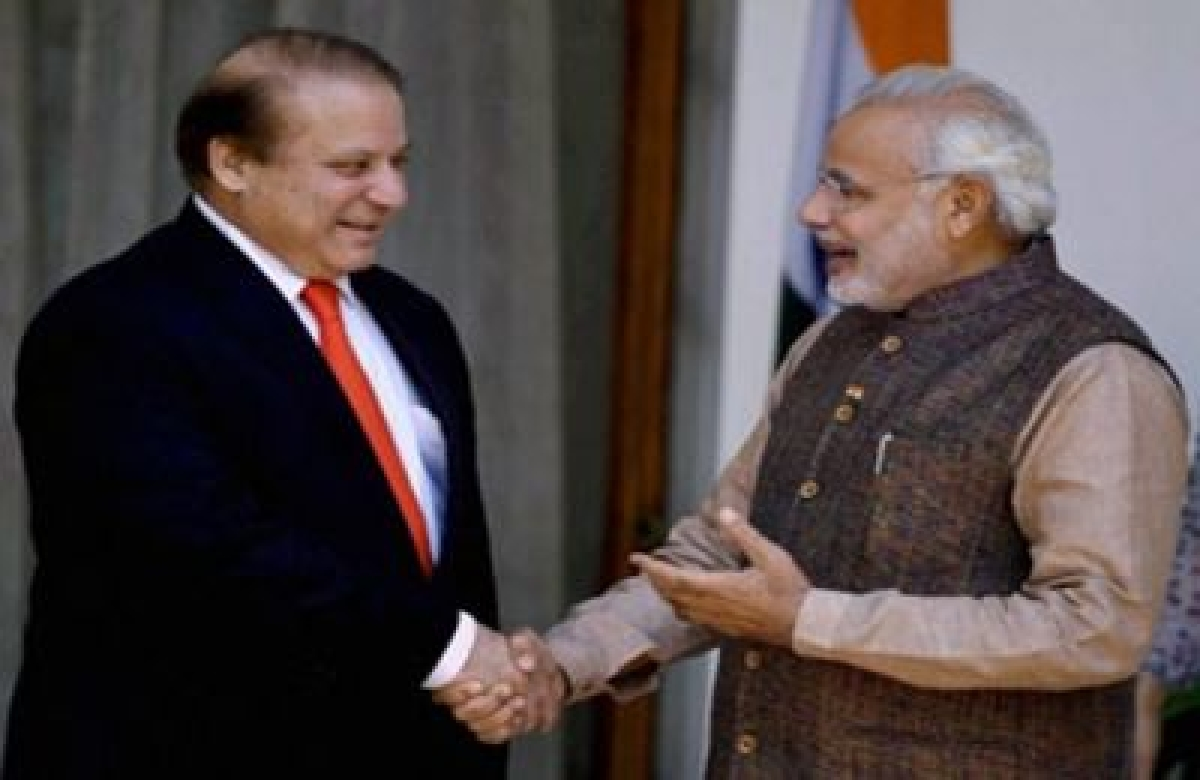 Sharif sends sari for Modi's mother