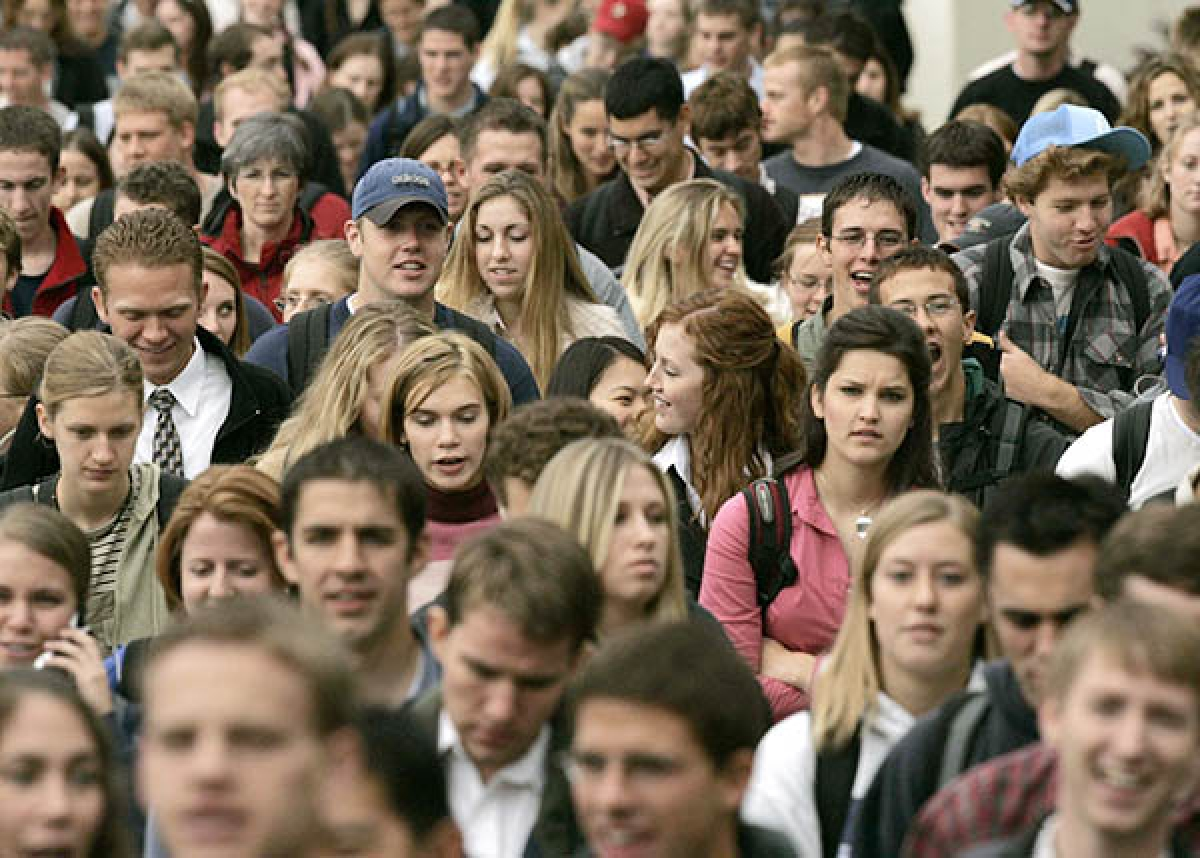 Humans can only spot two faces in a crowd