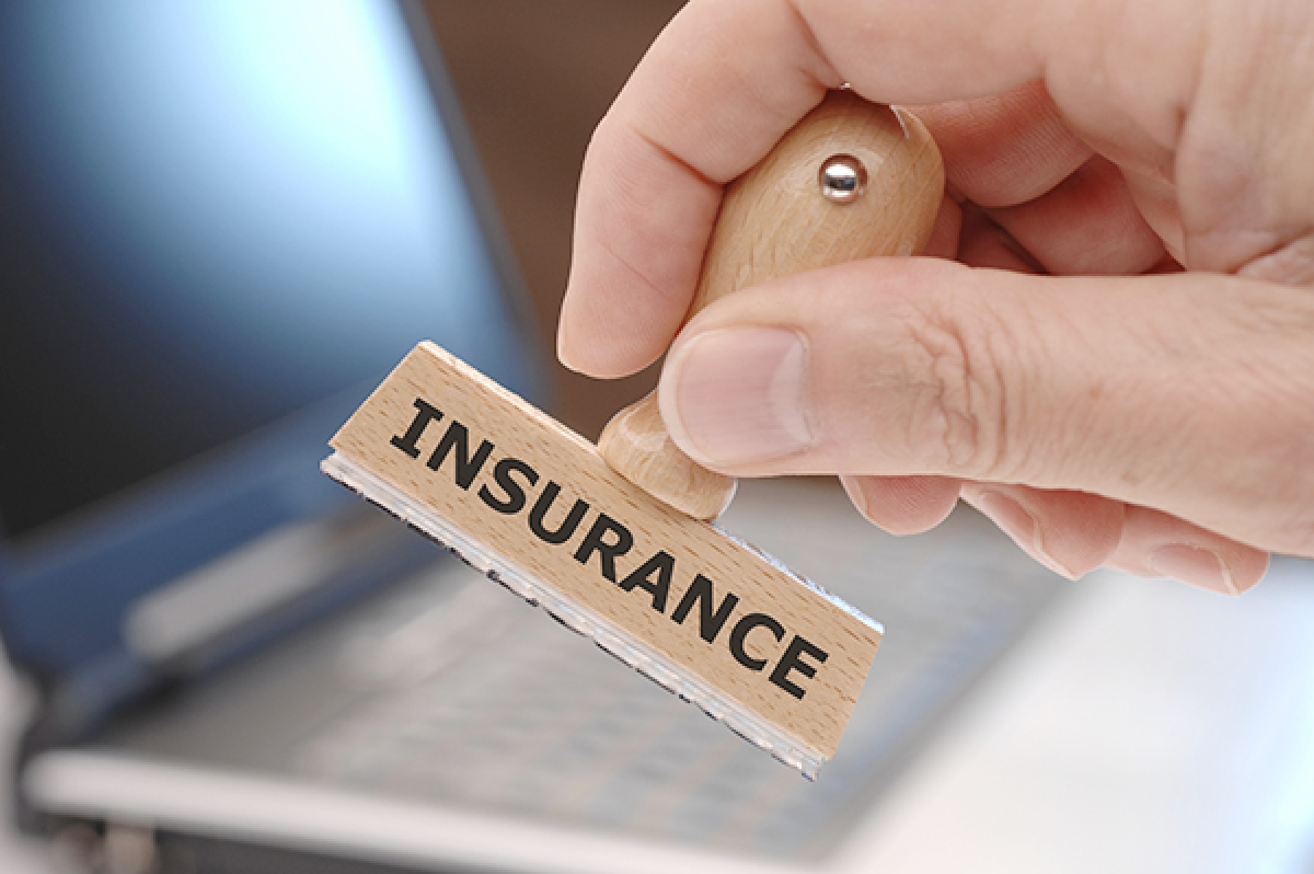 Long weekend for bankers, insurers
