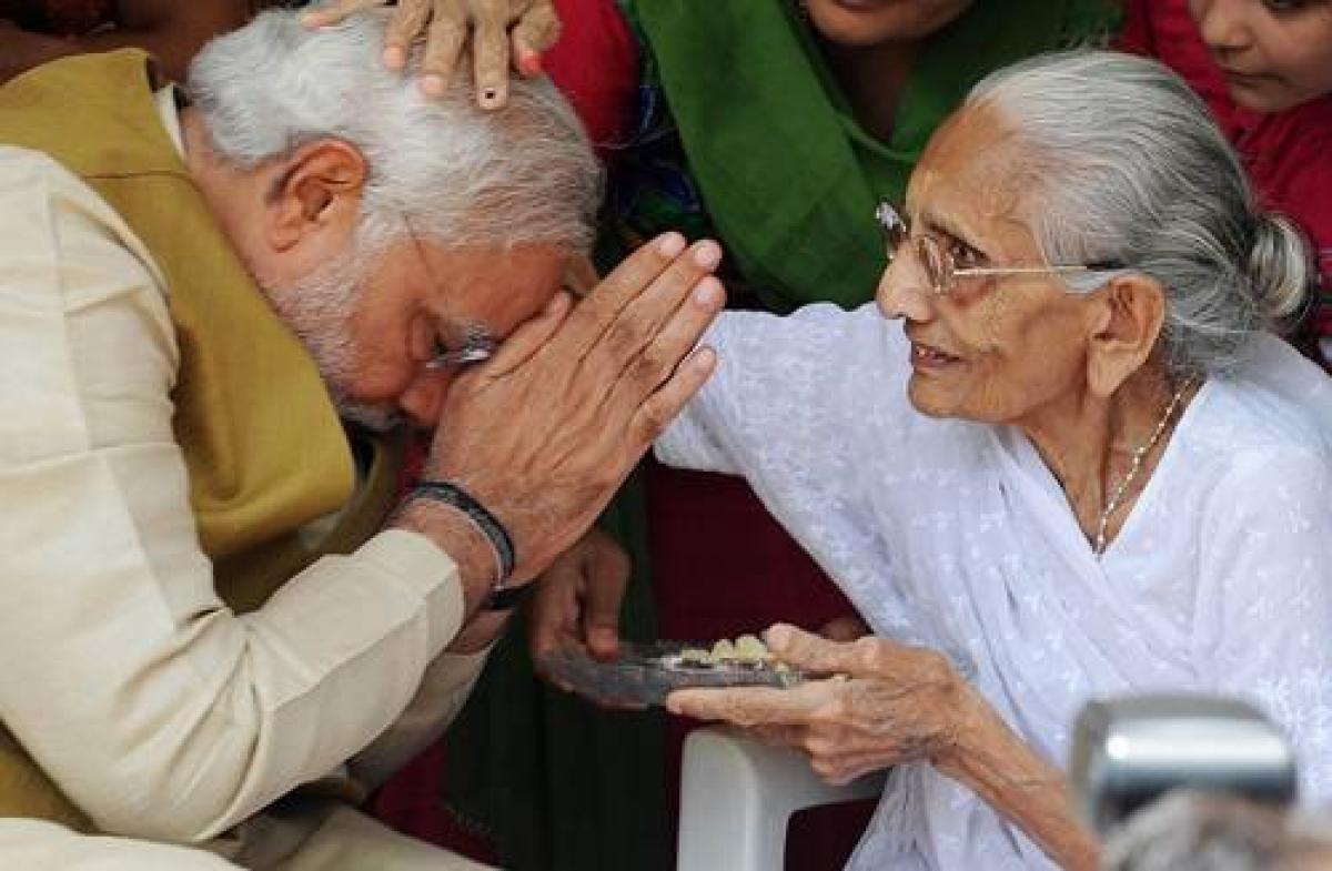 Modi's mother watches son's coronation