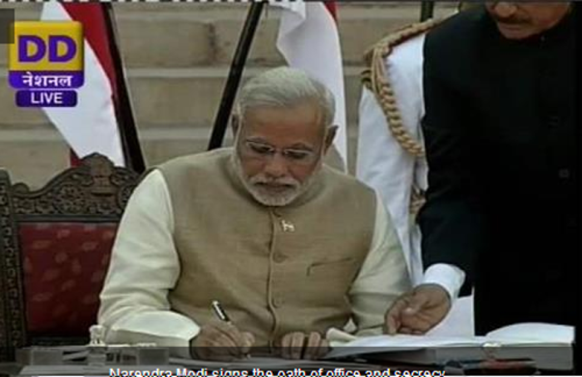 Modi takes oath as India's 15th PM