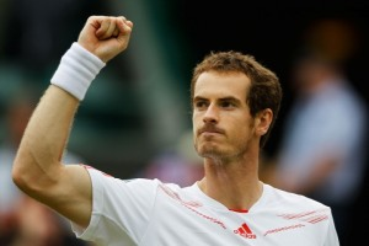 Murray overcomes 'testing' windy conditions to sail into third round of Italian Open