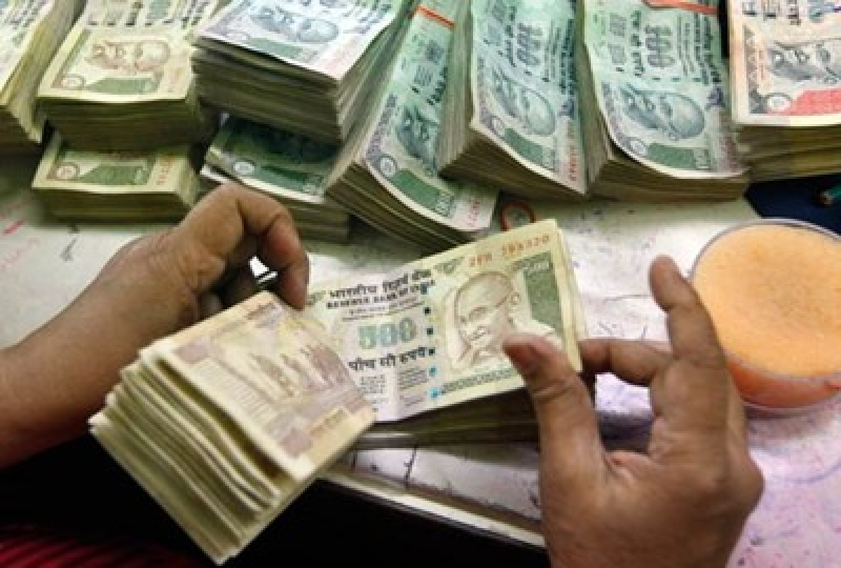 Rupee logs biggest drop in over  6 months, tanks 65p to 61.49