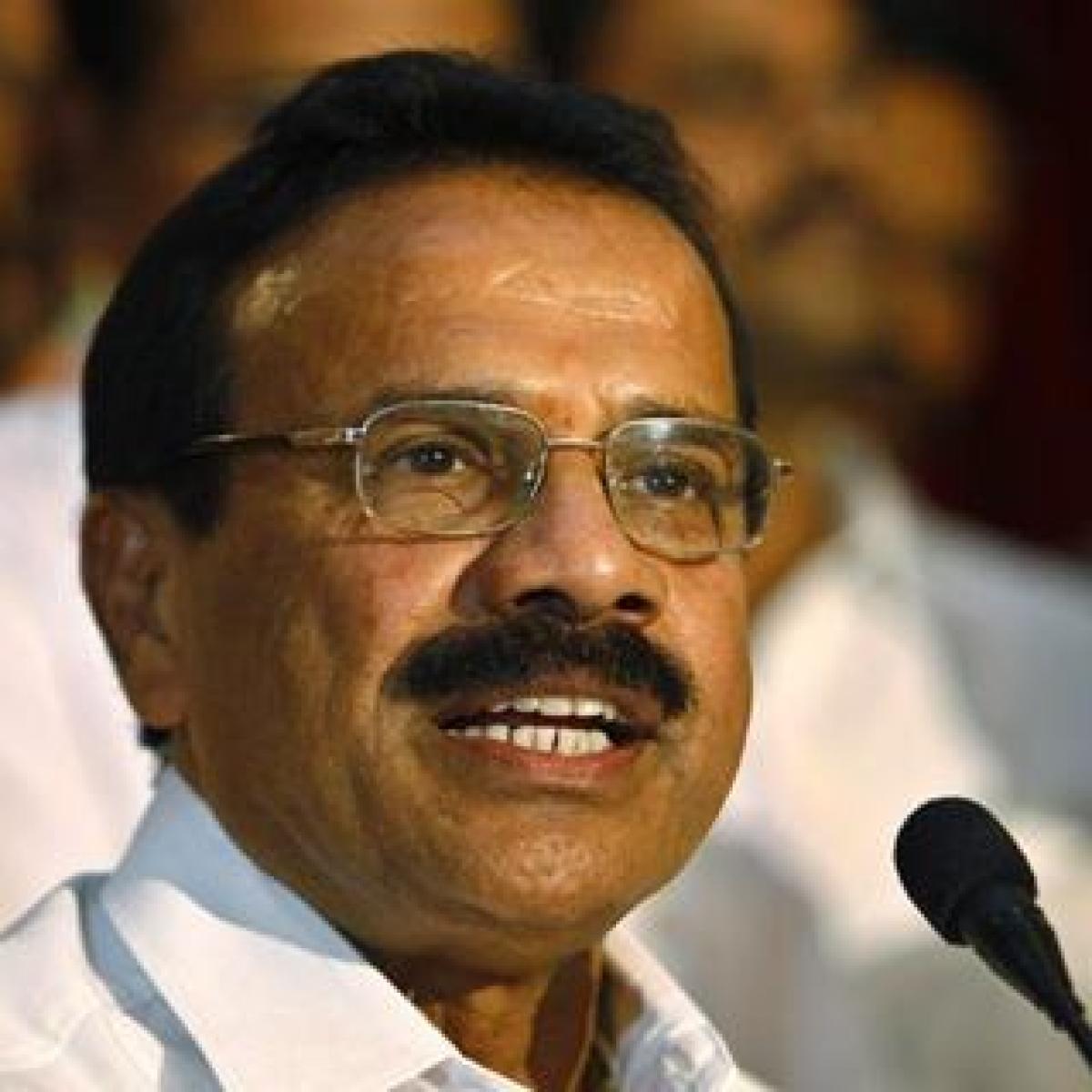 No quarantine rules for ministers? BJP's Sadananda Gowda skips quarantine after his return from Delhi