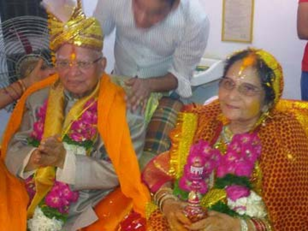 Yuva Josh Blooms in Congress I: 88 years old  N.D. Tiwari is newly married