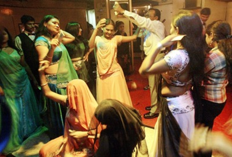 Maharashtra reluctant to revive dance bars