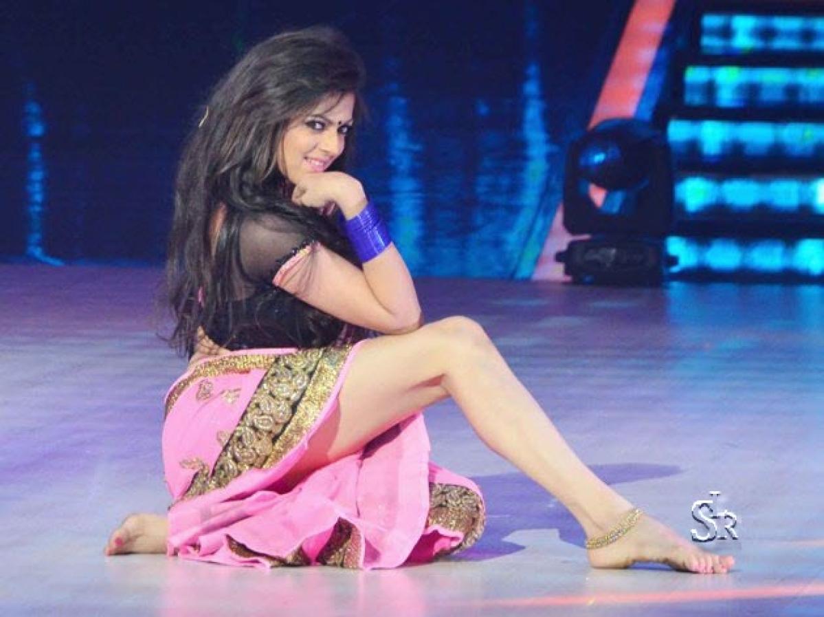 Host Drashti Dhami out of 'Jhalak Dikhhla Jaa 7'