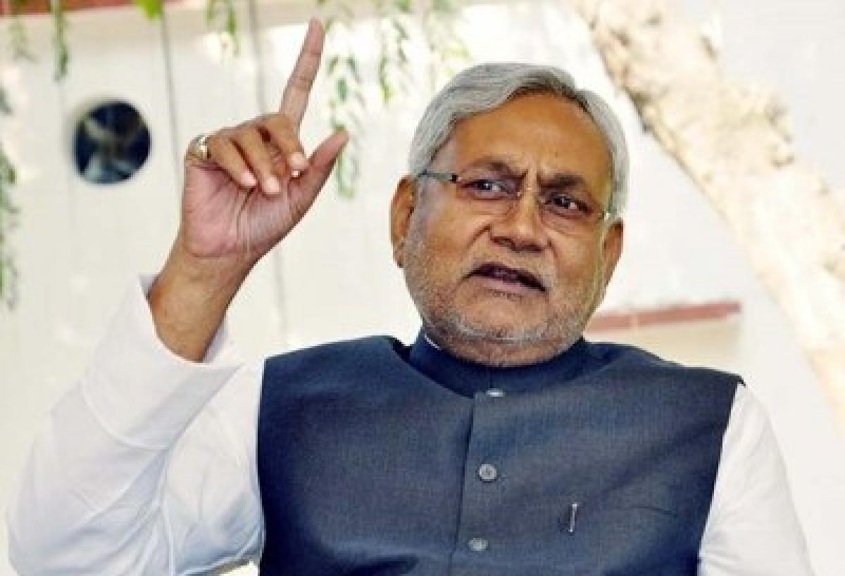 Nitish Kumar congratulates Arvind Kejriwal