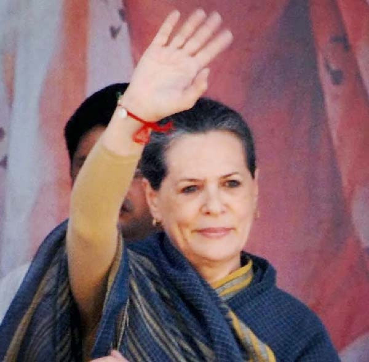 Sonia applies healing touch to demoralised party ranks