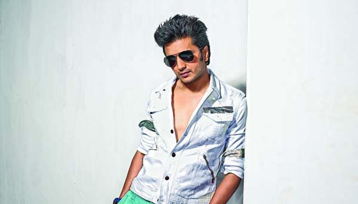 Riteish Deshmukh replaces Kapil Sharma in 'Bank-Chor'