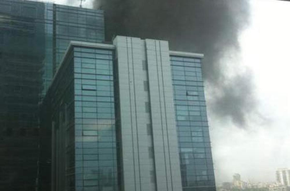 Massive fire in South Mumbai Naman Towers