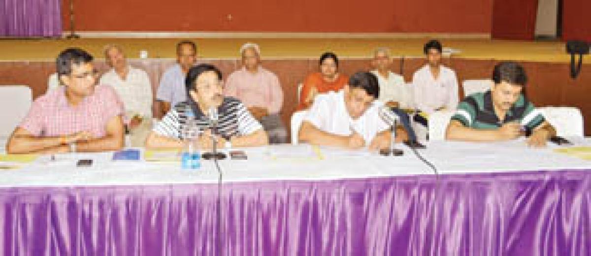 VIP entry, road widening work dominate Shravan month review meet