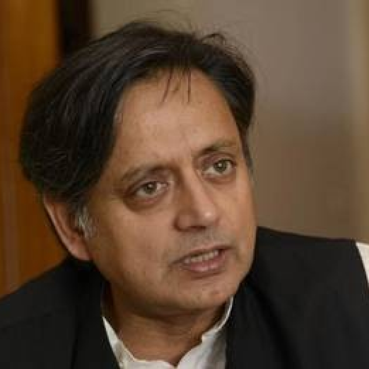 Muslim would be asked documents to prove their nationality: Shashi Tharoor