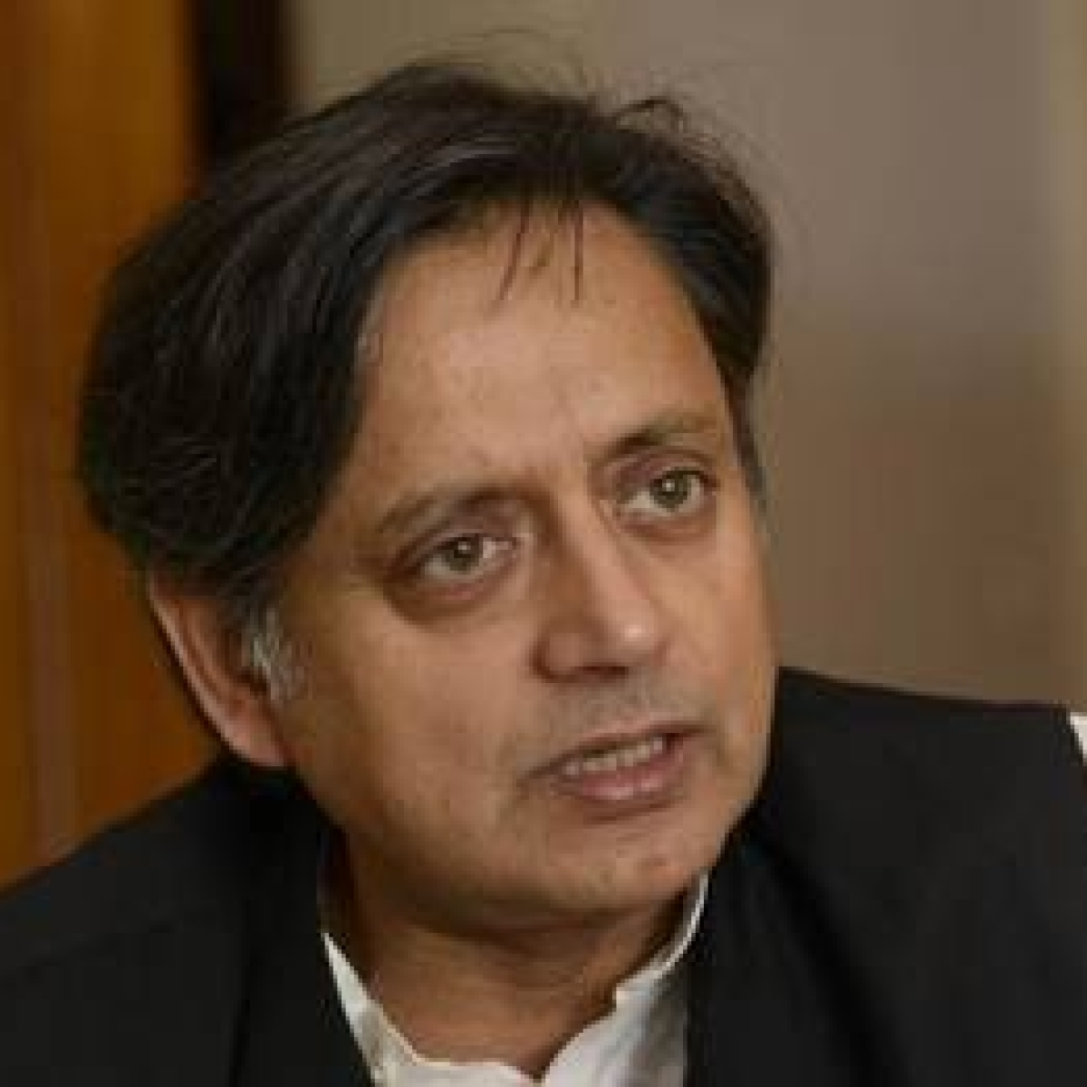 Shashi Tharoor slams Donald Trump for threatening India; wonders when India's hydroxychloroquine became US' supply