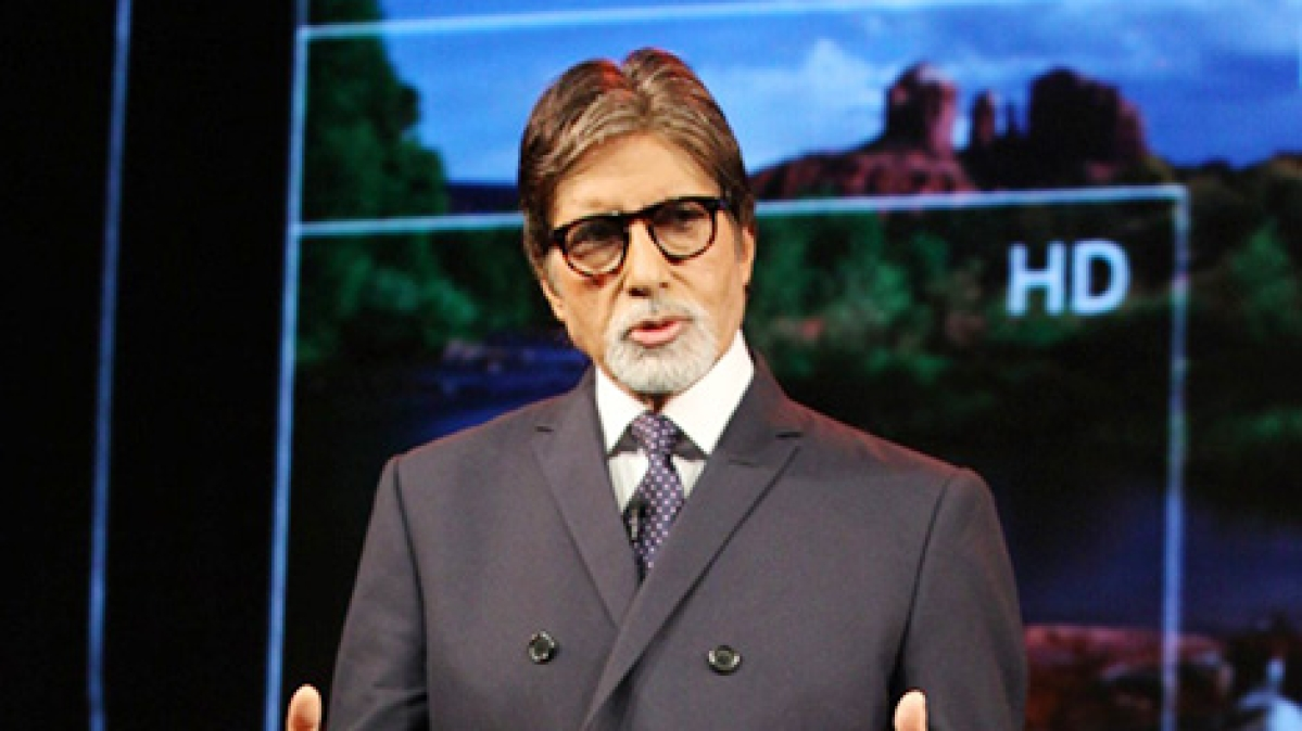Amitabh Bachchan recalls the time a Diwali bomb exploded in his hand