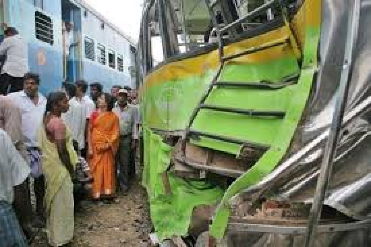Toll in Medak bus-train collision climbs to 18