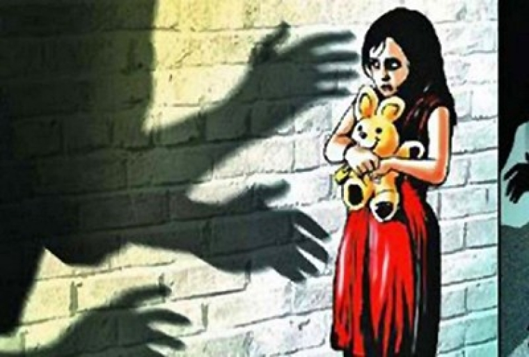 59-yr-old held for kissing minor girl in Mumbai