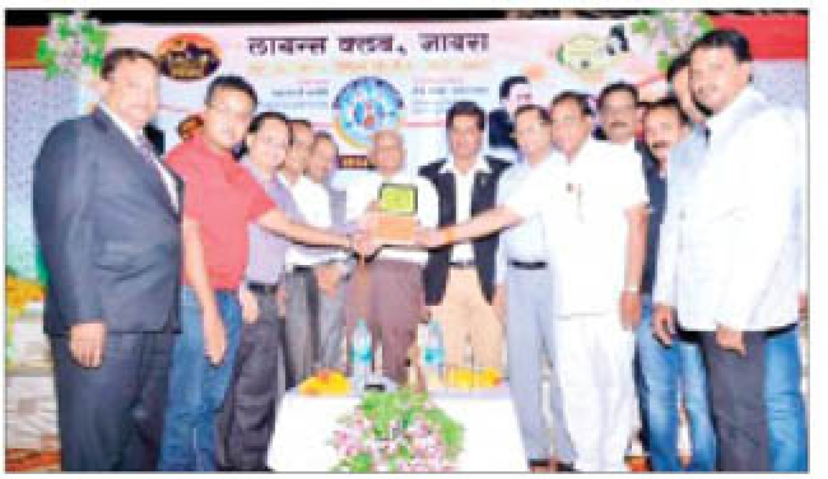 Scholar Azhar Hashmi felicitated during Lions Club's get-together