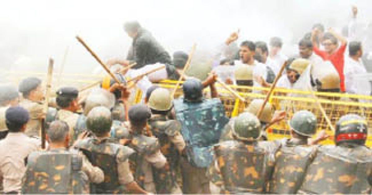 Stoning, lathicharge & arrests during demo