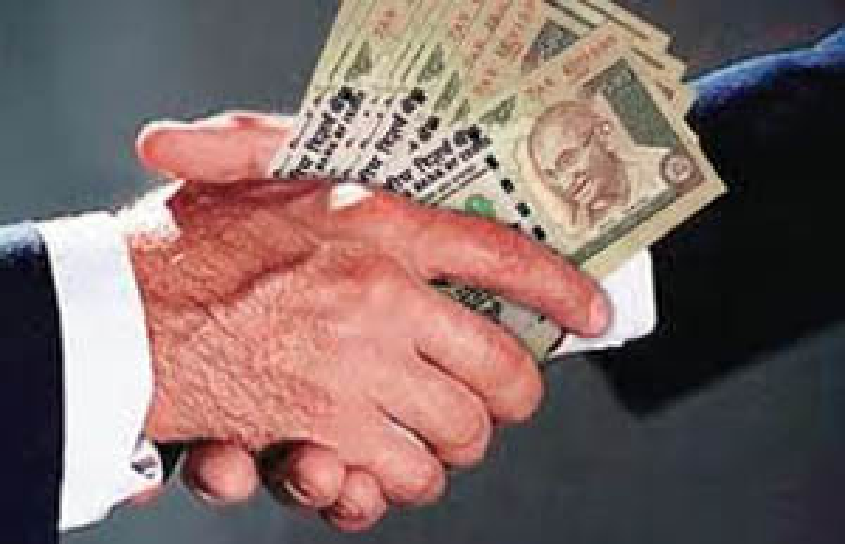 Mumbai: Top excise officer held for taking Rs 1 crore bribe