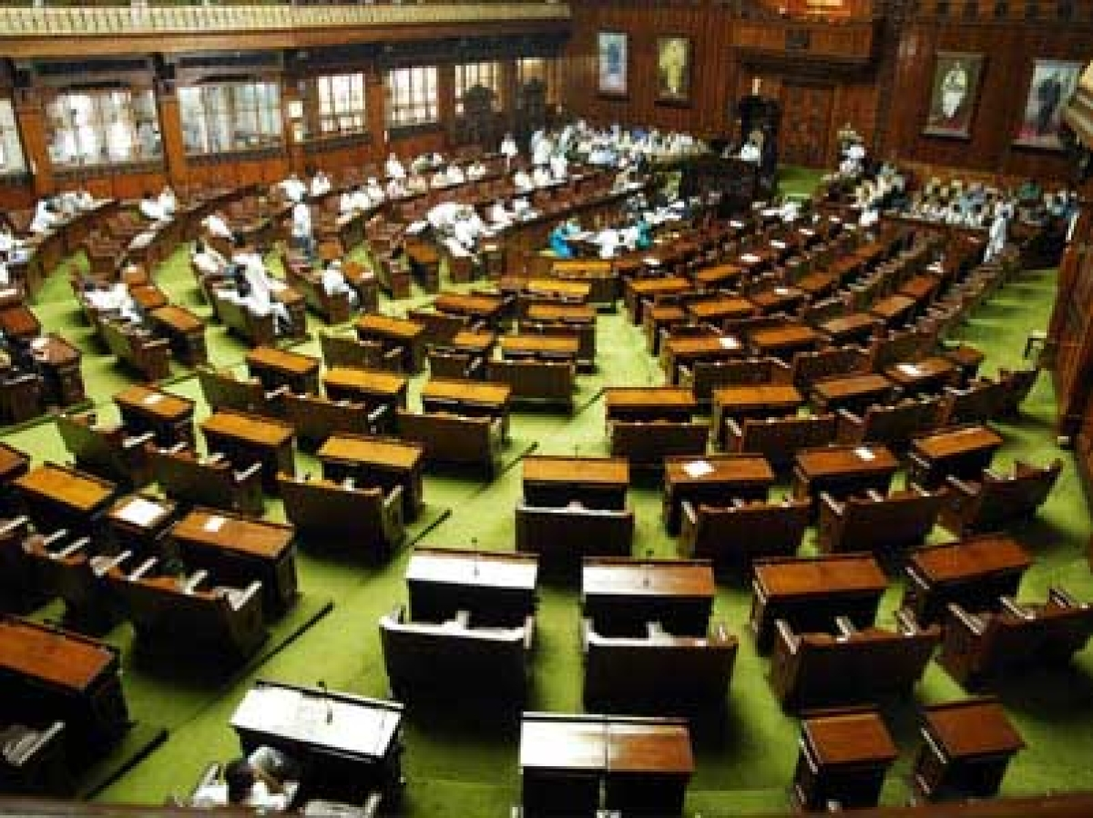 Why should tax-payers pay for idle MLAs: SC