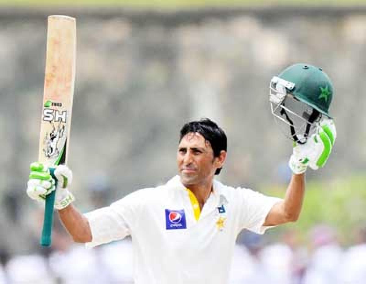 Pakistan take charge of first Sri Lanka Test