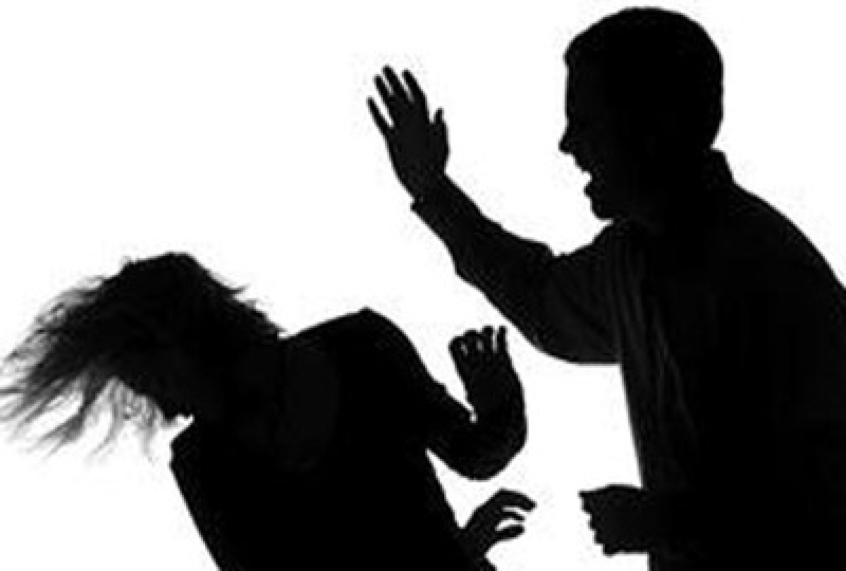 Man Stabs women