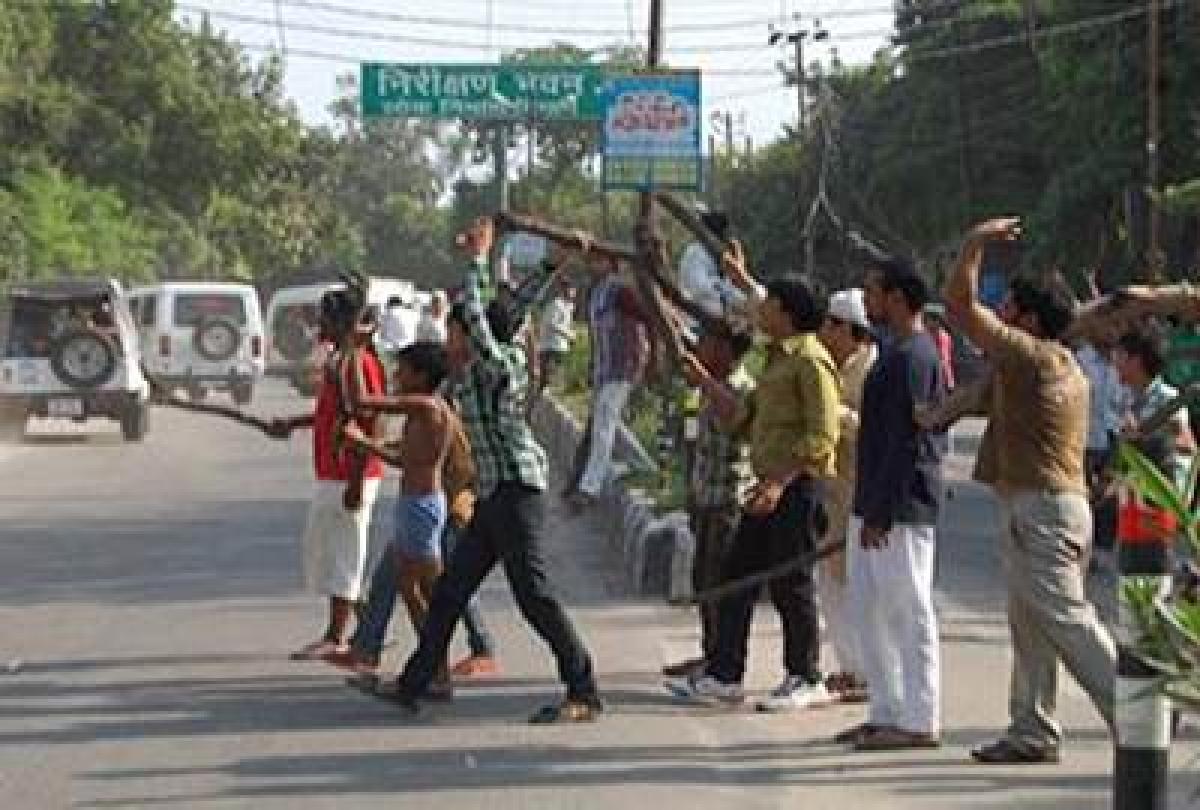 Violence in vadodara
