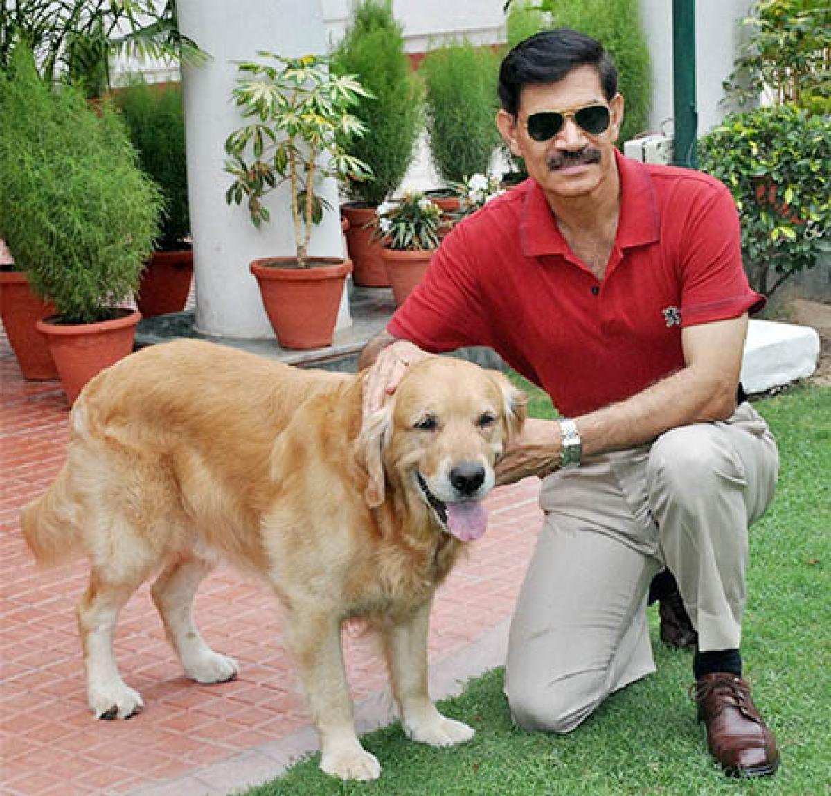Army chief General Dalbir Singh with his pet 'Juno' in New Delhi recently.