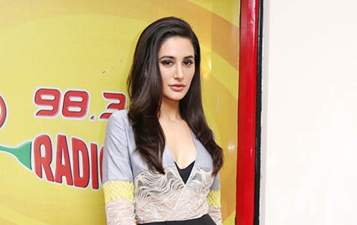 Nargis shoots item song for SAAHASAM