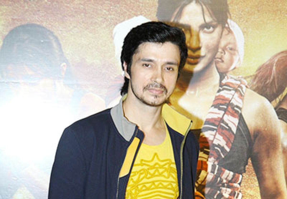 After Priyanka, Darshan Kumar plays Anushka's love interest!