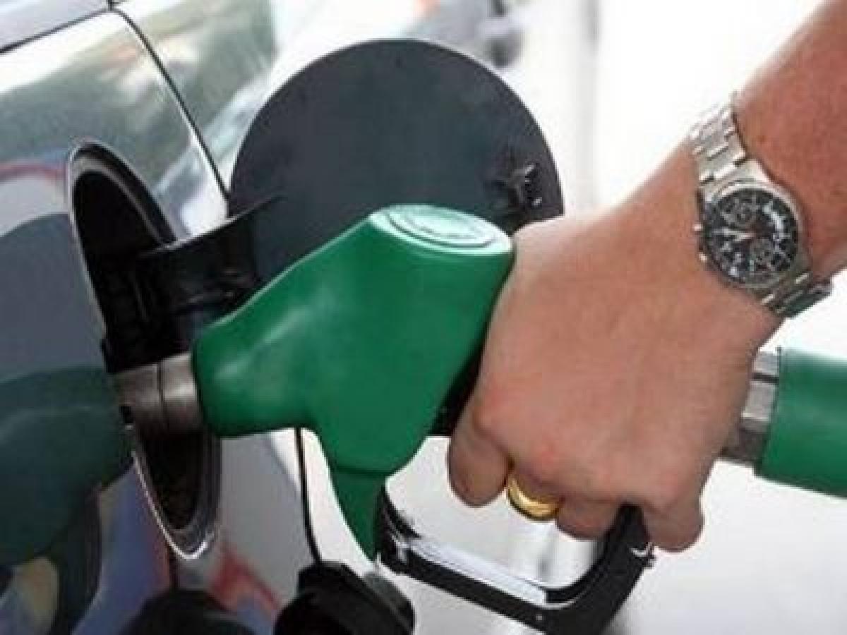 Cut in petrol, diesel price put off till Modi's return from US
