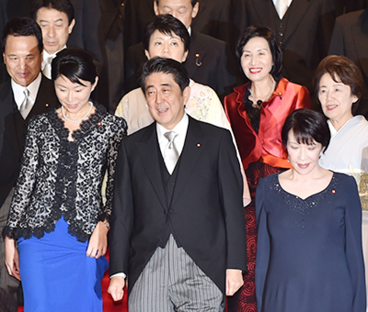 Abe names five women to new cabinet