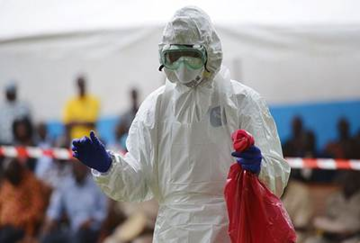 Rwanda closes border with Congo over Ebola outbreak