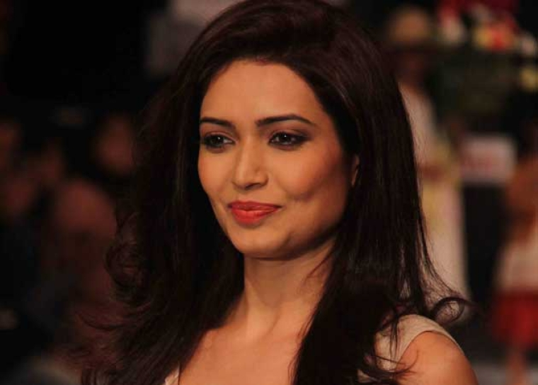 I want to overcome fear of exposing myself: Karishma Tanna