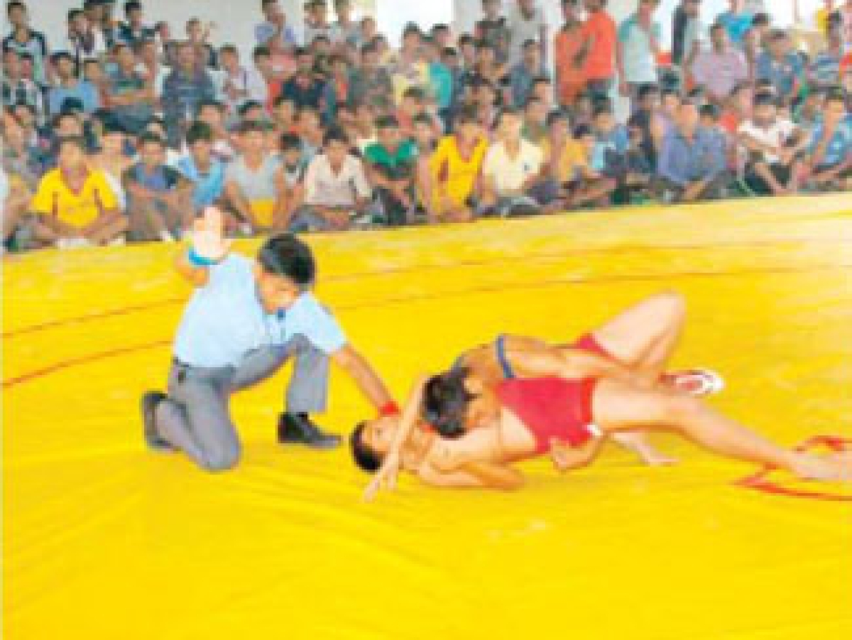 Indore, Bhopal divisions win wrestling